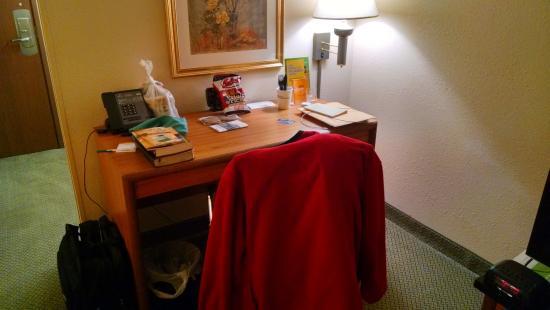 La Quinta Inn Toledo Perrysburg: Desk
