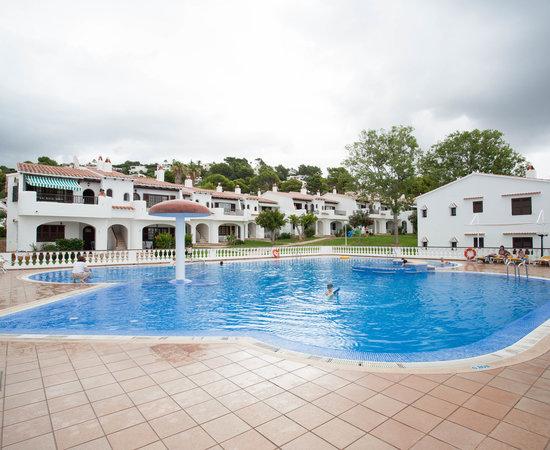 Son bou gardens apartments menorca spain alaior for Garden pool apartments reviews