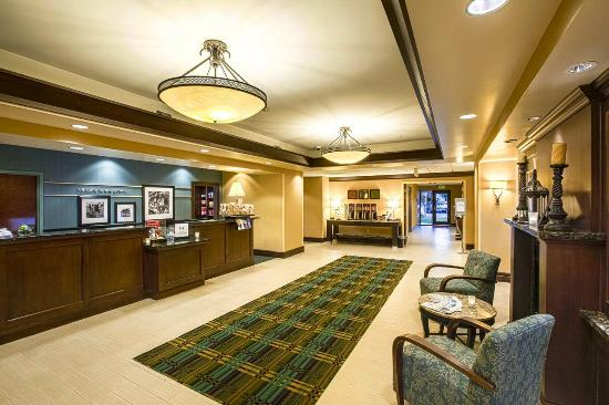 Hampton Inn & Suites Sacramento-Elk Grove Laguna I-5: Lobby Entrance Near Front Desk