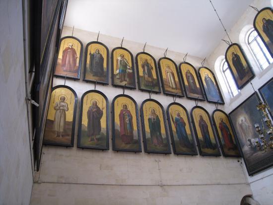 Church of Saint Alexander Nevskiy: Святые лики