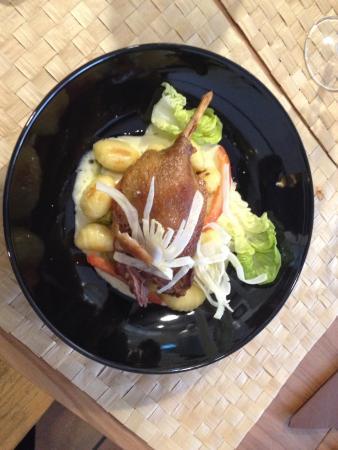 La Table en Provence: Canard confit et gnocchi de pole de terre