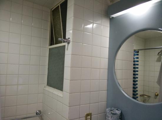 Hotel Canada: Broken window in bathroom