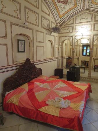 Bassi, India: chambre (suite)