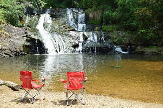 Long Mountain Lodge: Cane Creek Falls where our Waterfall Cottage is located