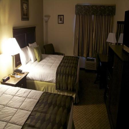 Grand View Inn & Suites: Double Queen Room