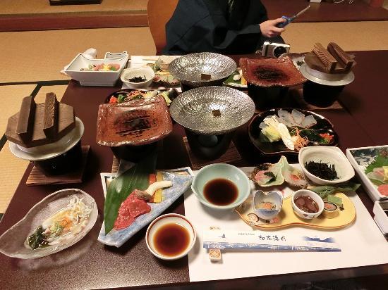 Kada Kaigetsu: 昭和のおもてなし感が懐かしい感じでした