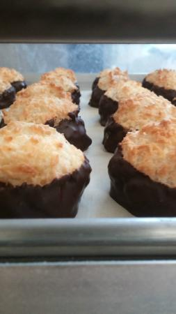 Red Hen Baking Co.: Chocolate Macaroons