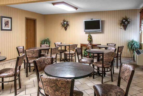 Comfort Inn West: Breakfast