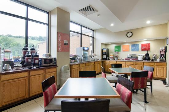 Bluefield, VA: Breakfast Seating
