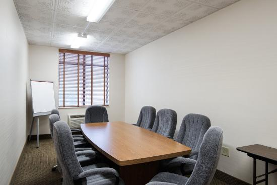 Comfort Inn & Suites: Conference Room