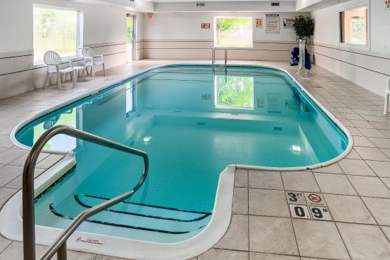 Quality Inn Northtown: Pool