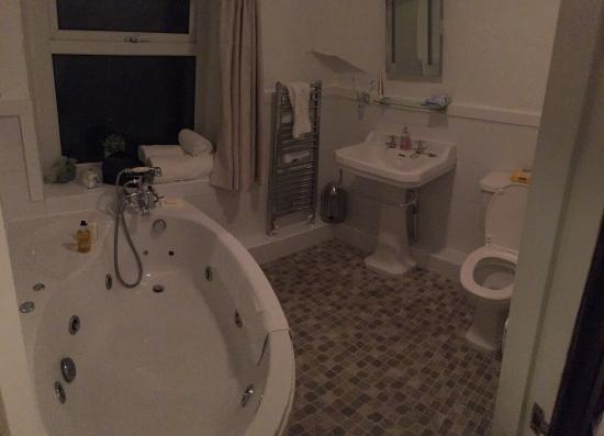 Rambler's Rest Guest House: Bathroom