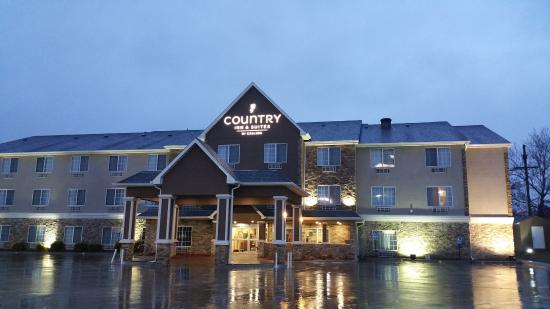 Country Inn And Suites Topeka