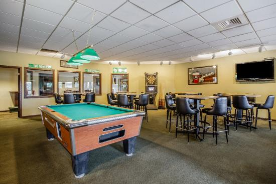 Waupaca, WI: Bar/Lounge