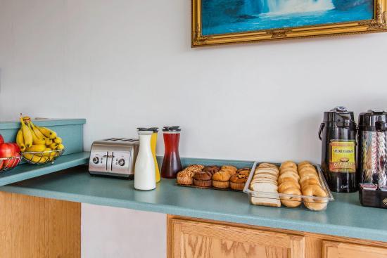 Econo Lodge Eureka by the Humboldt Bay: Breakfast
