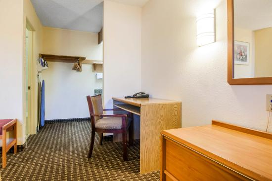 Hotels Near Clackamas Town Center Portland Oregon