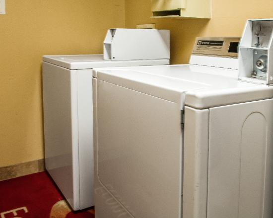 Econo Lodge: Laundry Facility