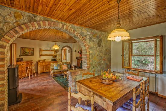 Leccino 1 Soggiorno e cucina - Bild von Casa Leccino ...