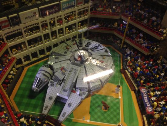 Halcón Milenario en estadio de los Rangers - Picture of Legoland ...