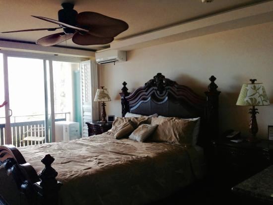 Hotel Coral Reef: king bed room