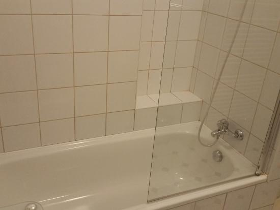 Charles Bridge Premium Apartments: tub
