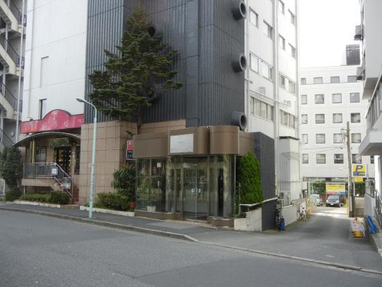 Hotel New Washington: NHKの前
