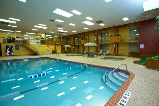 Fairmont, MN : We feature a large indoor heated swimming pool, kiddie pool & spa.