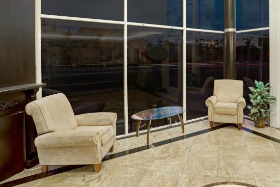 Super 8 Cypress Buena Park Area: Lobby