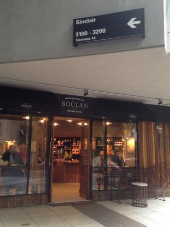 Polo Suites: Boulangerie no Térreo