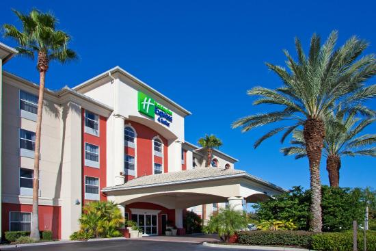 Holiday Inn Express Orlando Airport: Hotel Exterior