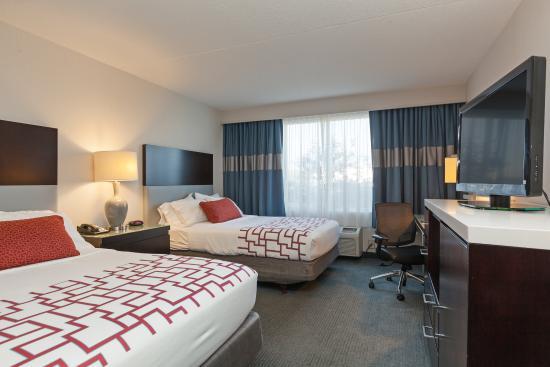Weirton, Batı Virjinya: Spacious ADA/Handicapped Double Bed Guest Room