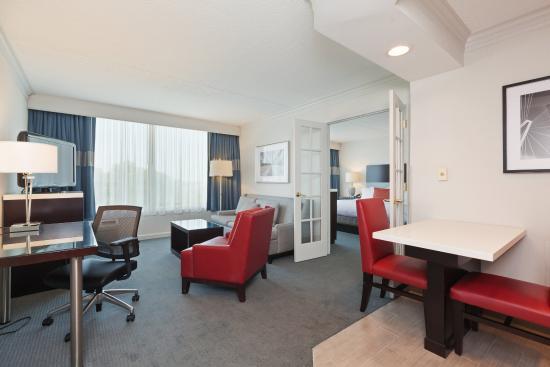 Weirton, Batı Virjinya: Upscale King Bed Suite
