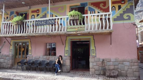 Pisac Inn: Out Front