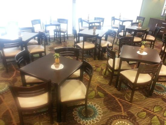 Holiday Inn Express Gainesville/I-75 SW: Breakfast Area