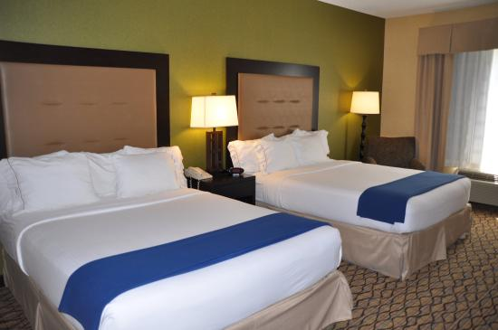 Holiday Inn Express Hotel & Suites Christiansburg: Enjoy a comfortable nights sleep in our double queen rooms