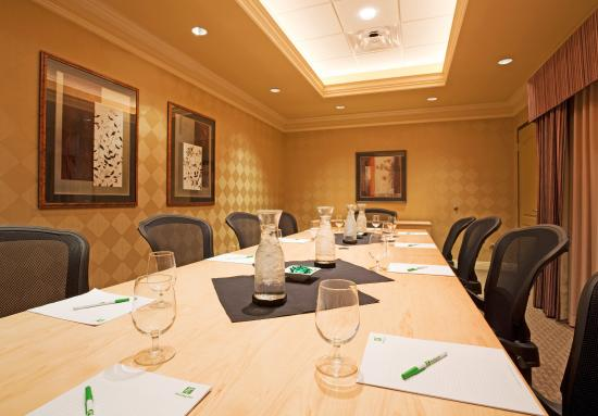 Holiday Inn Hotel & Suites Maple Grove - Arbor Lakes: Take your Board meetings to a new level