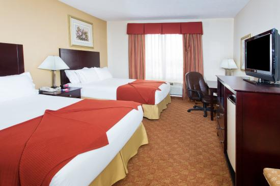 Duncanville, TX: Two Queen Bed Guest Room