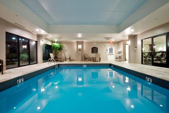 Newport News, VA: Come take a dip in our indoor heated pool.