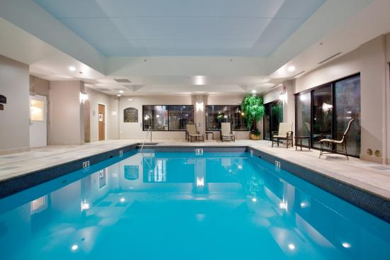 Newport News, VA: Escape the heat or the snow in our indoor heated pool.