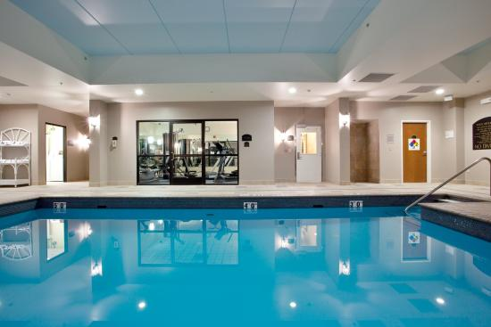 Newport News, VA: Our indoor heated pool is just what you need to relax.