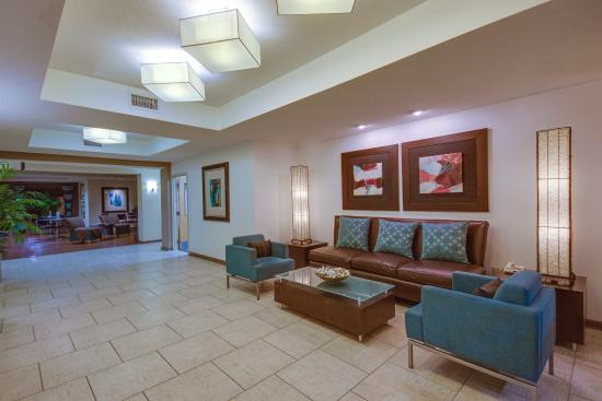 Holiday Inn Express Suites Greensboro East: Hotel Lobby
