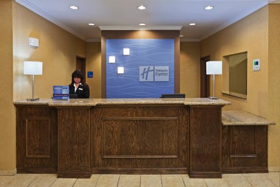 Hereford, TX: Front Desk