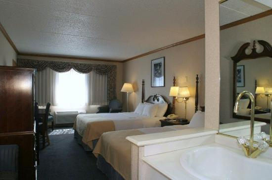Port Washington, WI: Deluxe Room with views of Lake Michigan