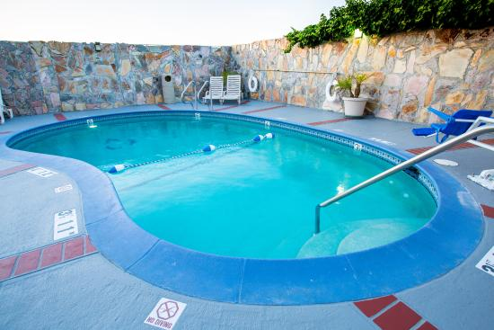 Holiday Inn Express San Jose Central City: Out Door Swimming Pool
