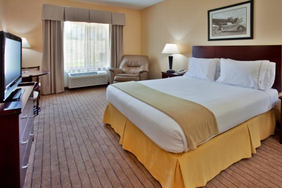 Holiday Inn Express Hotel & Suites Hannibal: King Bed Guest Room