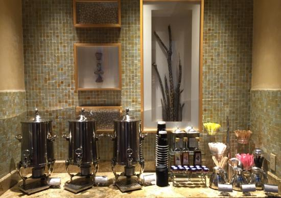 Well & Being Spa at Fairmont Scottsdale Princess: Drinks