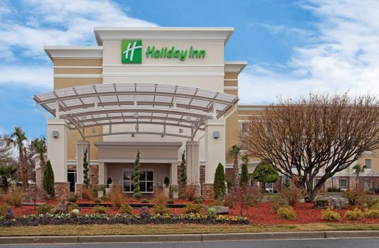 Holiday Inn Anderson: Hotel Exterior