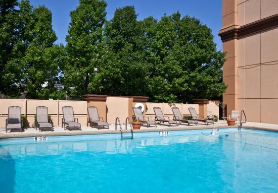 Holiday inn chicago o 39 hare from 1 6 5 125 updated 2017 prices reviews il tripadvisor for Hotel shambala swimming pool price