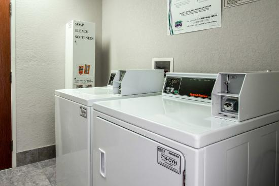 Sleep Inn & Suites: Laundry Facility