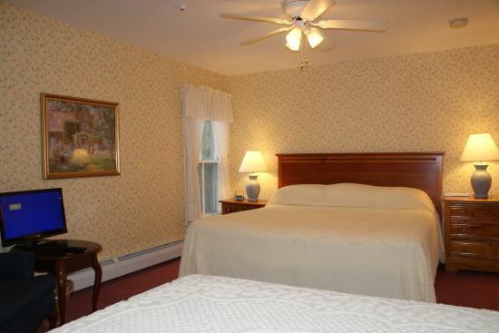 Echo Lake Inn: Edison Suite